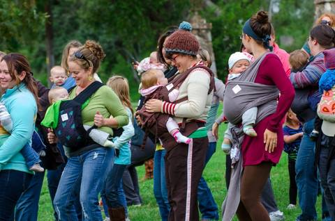 Singing Mothers – Community Lullaby Walk